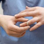 Stop infektioille.  Käsihygienialla voidaan estää hoitoon liittyvien infektioiden leviämistä.